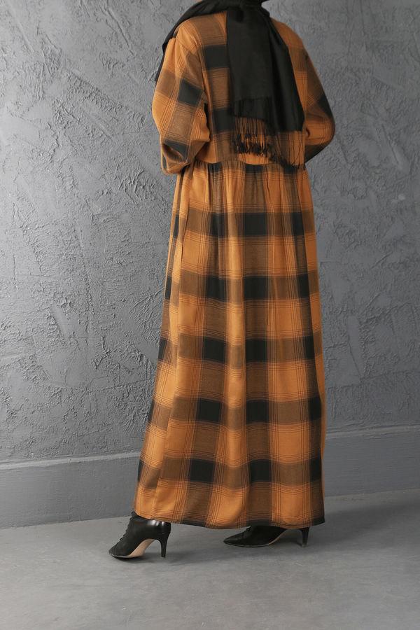 ESRA KESKİN DEMİR - Büzgü Detaylı Kareli Elbise Hardal